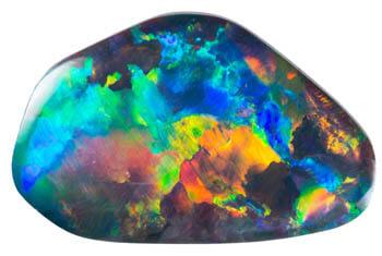 Verlobungsringe: Bedeutung der Steine: Opal Stein bunt schillernd