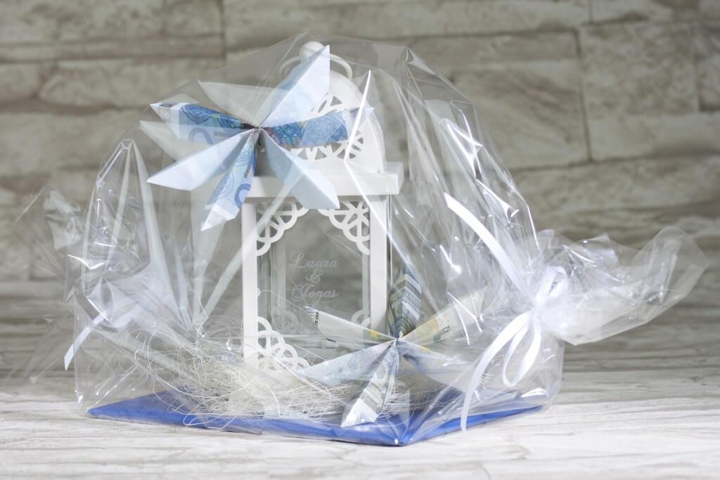 laterne romantik mit blume bastelidee. Black Bedroom Furniture Sets. Home Design Ideas